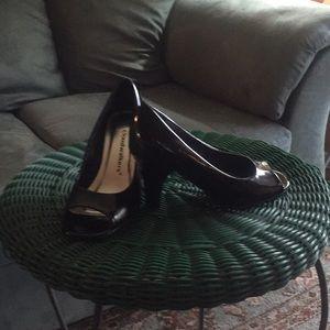 Black patent peep toe heel! SEXY! 31/2 inches